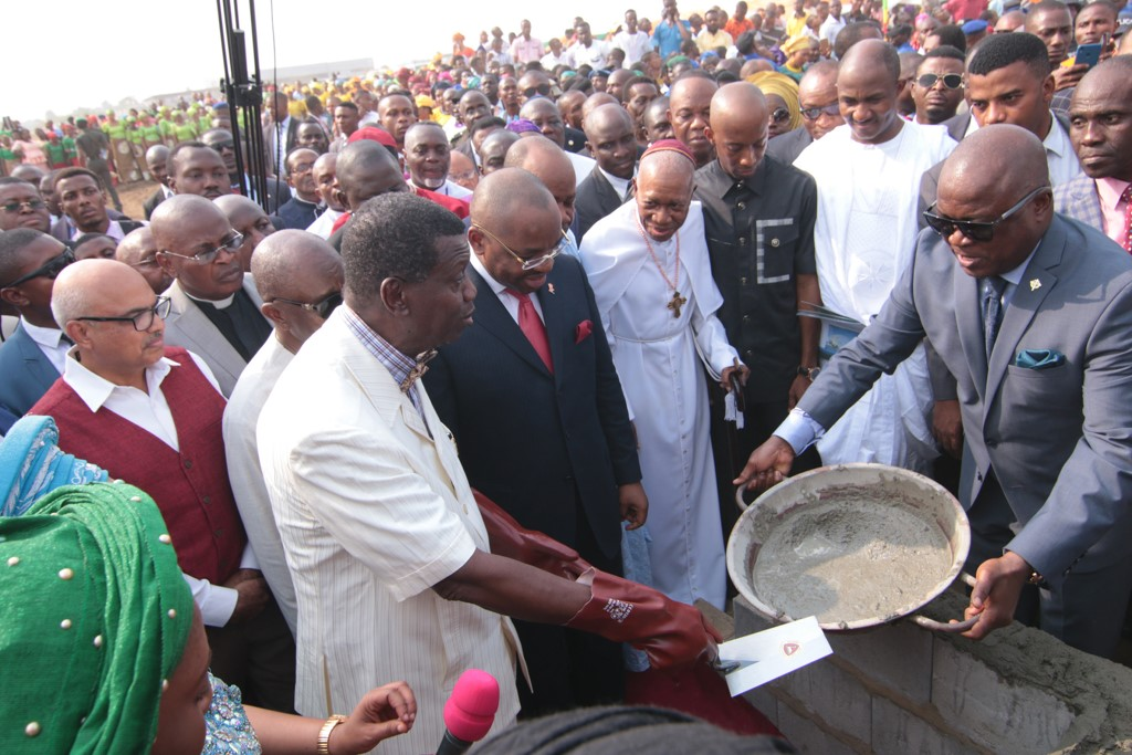 Pastor Adeboye Lays Foundation Of Akwa Ibom International Worship Centre